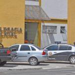 AÇÕES POLICIAIS – Casal de tatuadores morre após ser baleado dentro de carro de aplicativo em Macaé