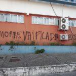 CABO FRIO – Muro do Hospital da Mulher de Cabo Frio é pichado