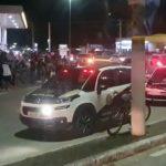 AÇÕES POLICIAIS – Homem é baleado e morto dentro de carro em Cabo Frio