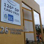 Polícia Militar prende 2 homens com 304 cápsulas de cocaína e 2 Kg de maconha em São Pedro da Aldeia