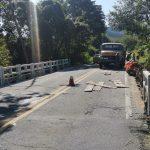 DER-RJ realiza manutenção em ponte na RJ-106 em Manoel Ribeiro