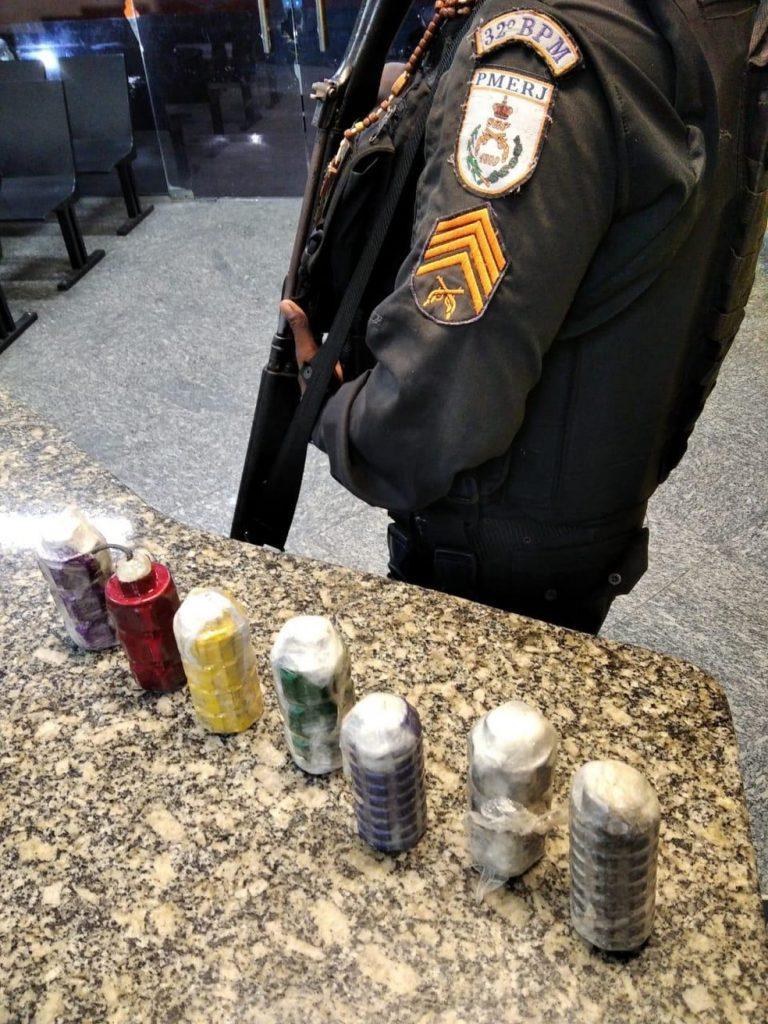 Sete granadas artesanais são apreendidas em Macaé, no RJ — Foto: Divulgação/Polícia Militar