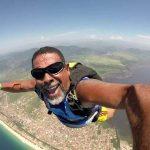 Paraquedista morre após cair de altura de 10 metros em evento no RJ